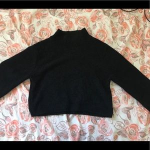 Cropped black turtle neck sweater 🖤